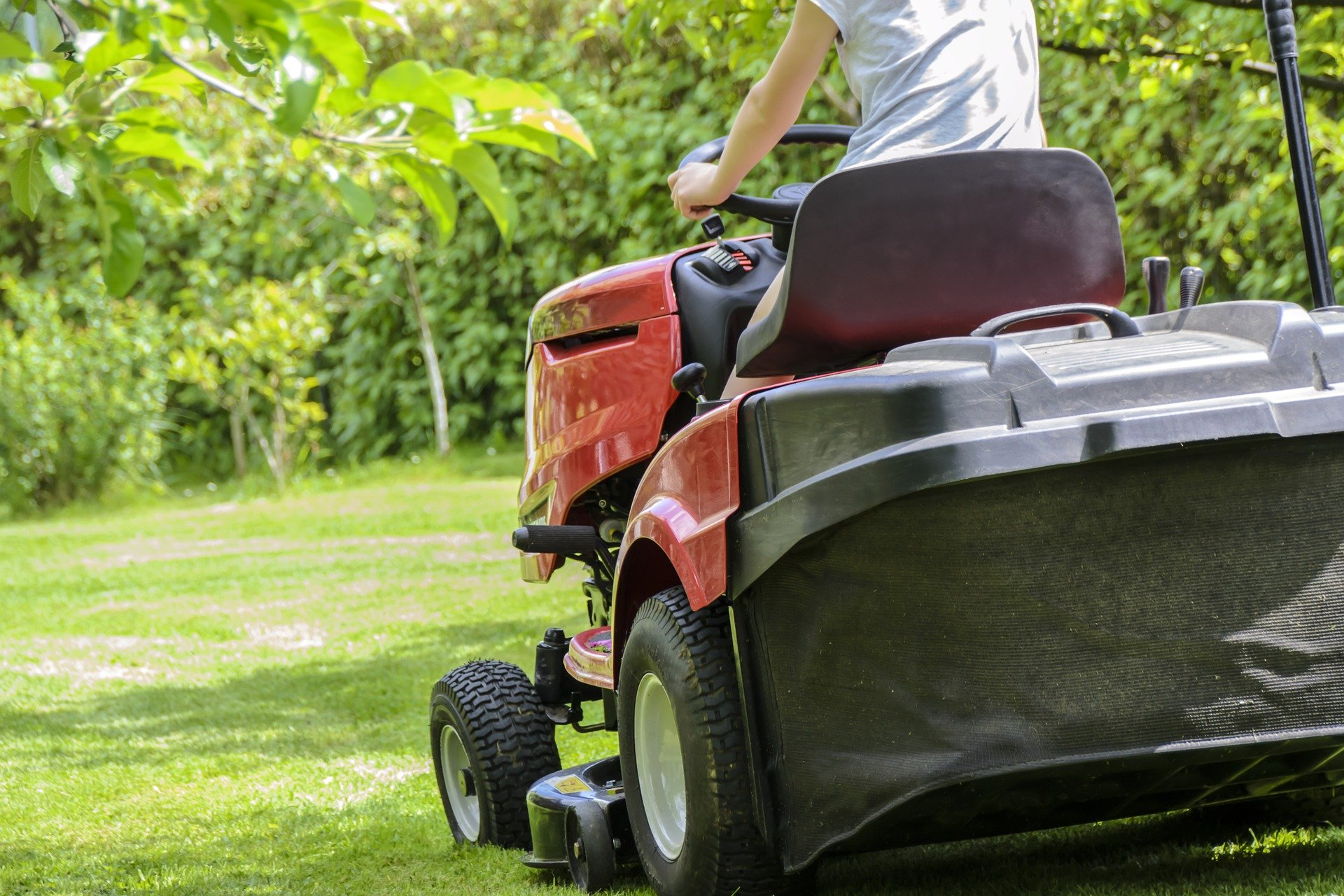 Lawn Tractor Buyers Guide