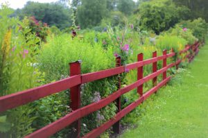 , Build Wooden Fence Yourself – Instructions, Best Garden, Home And DIY Tips