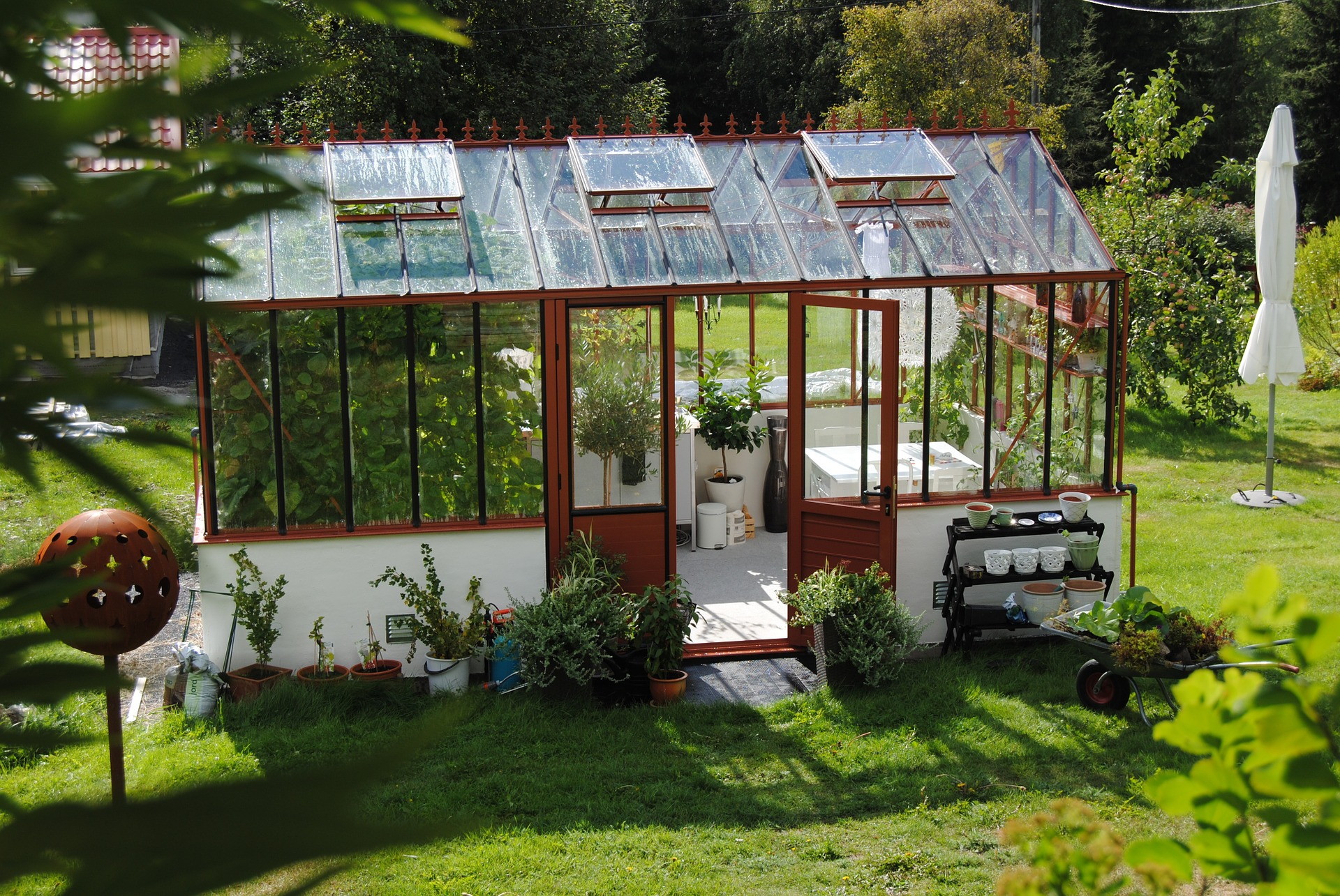 Greenhouses – the joy of gardening under glass