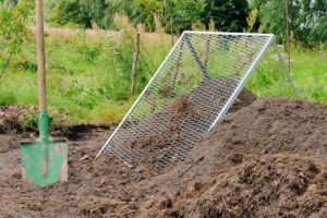 , Build your own compost sieve: Manure from your own production, Best Garden, Home And DIY Tips